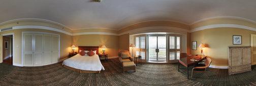 Deluxe Hotel Room by Riefa Istamar