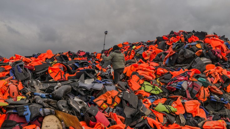 ff_disaster_reality-life_jackets