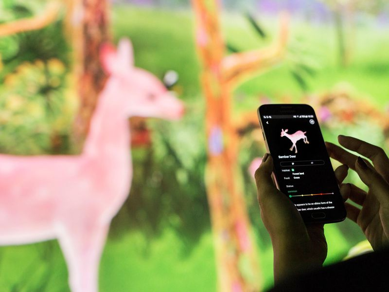 story_of_the_forest_app_2__image_courtesy_of_teamlab