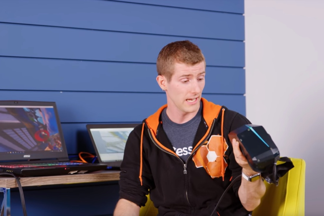 linus-tech-reviews-pimax-8k